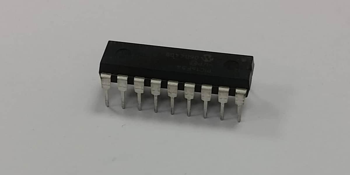 Atoll Electronique Microprocesseur télécommande