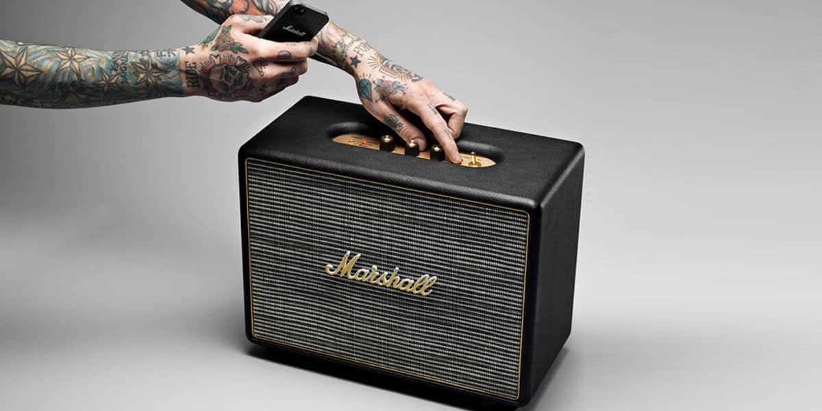 marshall acton noir enceintes bluetooth sur easylounge. Black Bedroom Furniture Sets. Home Design Ideas
