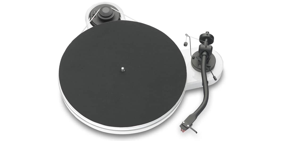 project platine vinyle. Black Bedroom Furniture Sets. Home Design Ideas