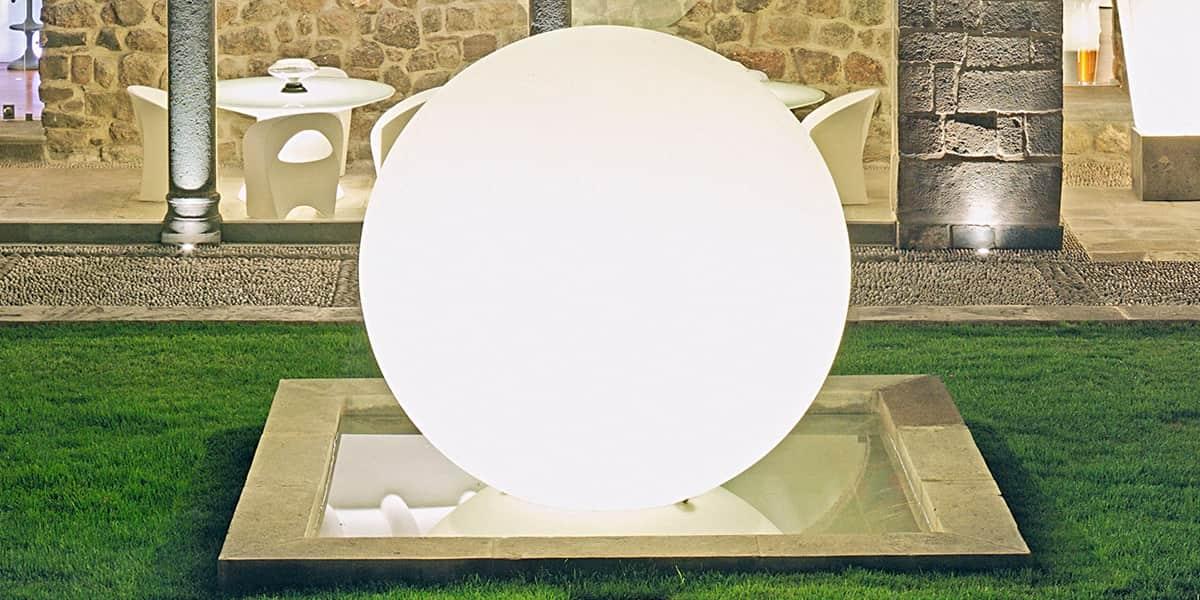 Slide globo inx 50cm luminaire ext rieur sur easylounge for Luminaire sphere exterieur