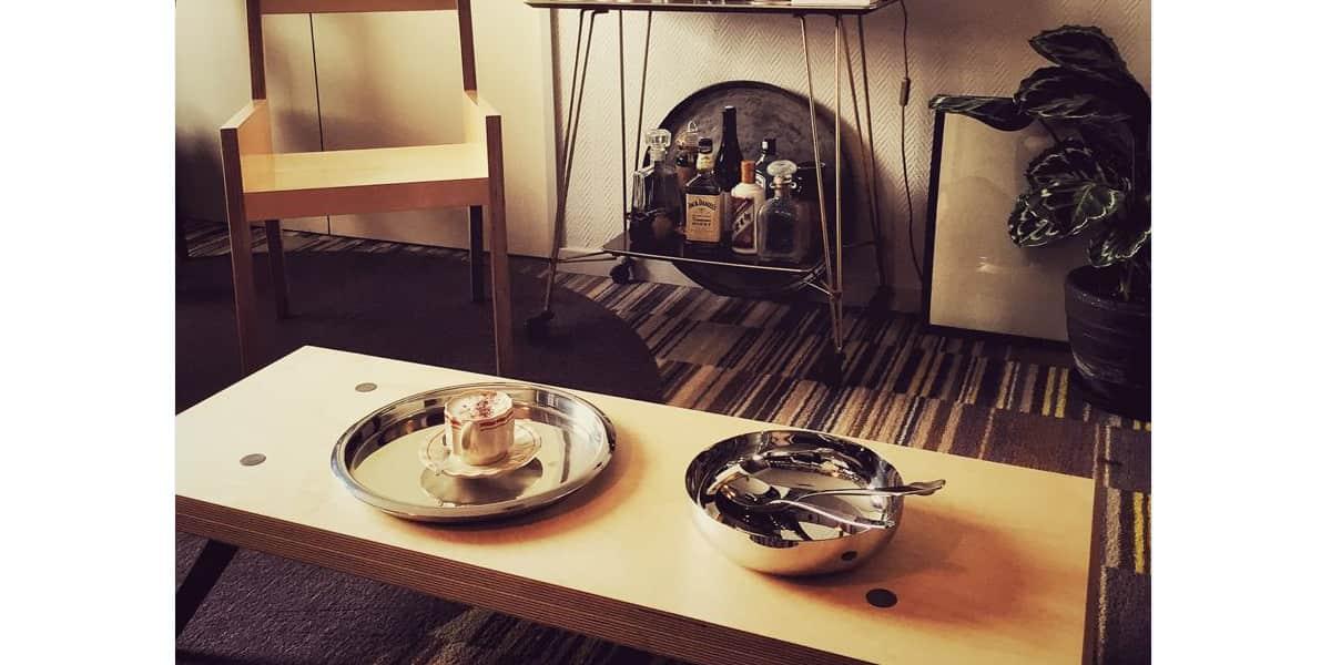 malherbe edition la lam e marrons clair tables basses sur easylounge. Black Bedroom Furniture Sets. Home Design Ideas