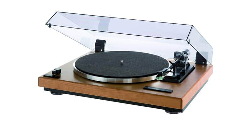 thorens td 240 2 noyer platines vinyles audiophiles sur easylounge. Black Bedroom Furniture Sets. Home Design Ideas