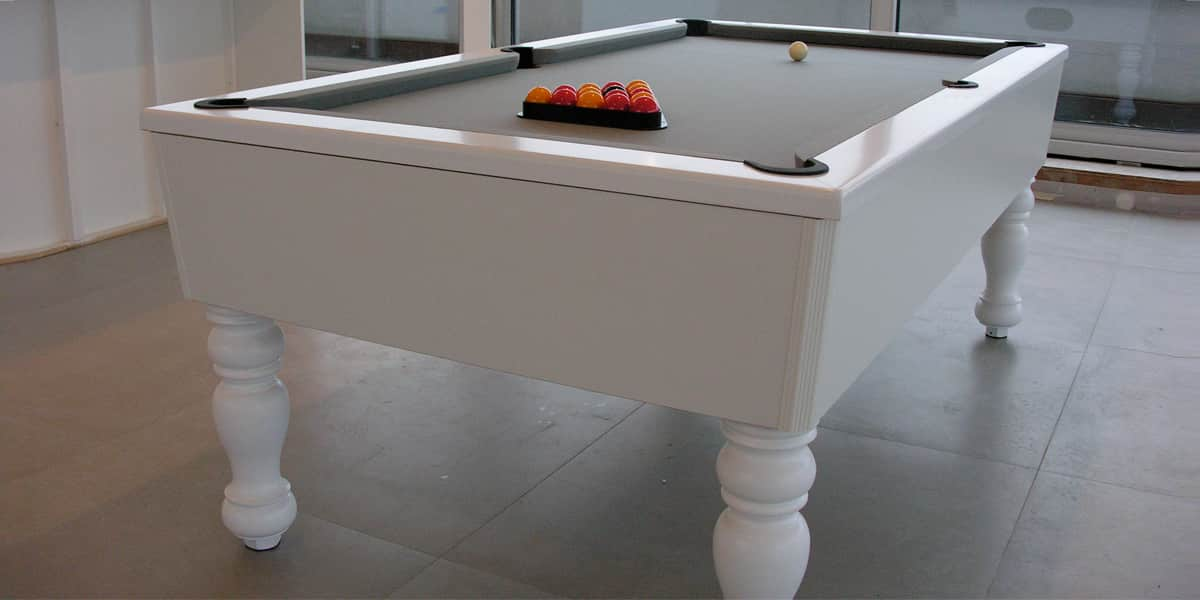 billards toulet ambiance blanc tables de billard sur easylounge. Black Bedroom Furniture Sets. Home Design Ideas