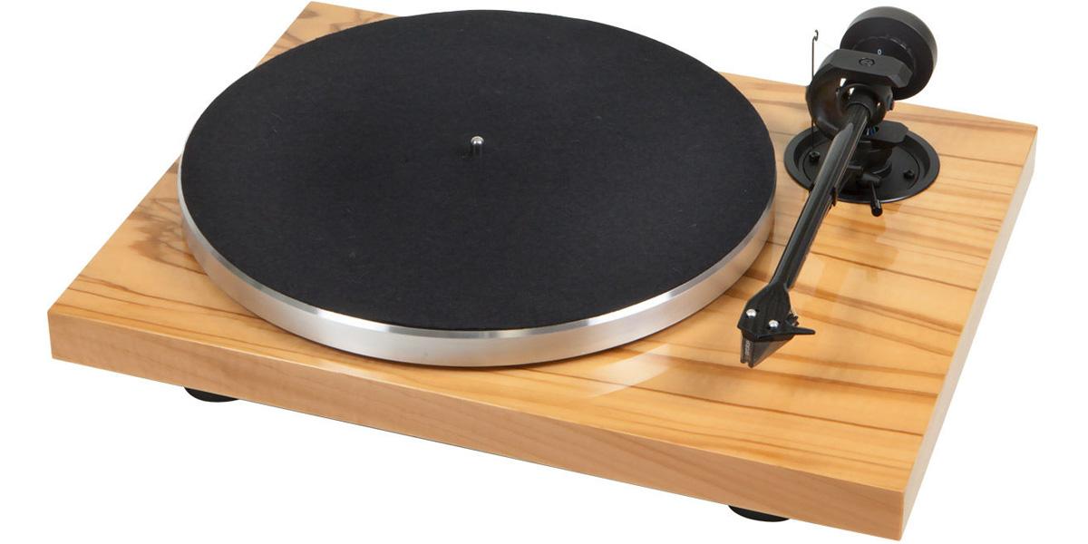 choisir sa platine vinyle guides d 39 achat easylounge. Black Bedroom Furniture Sets. Home Design Ideas